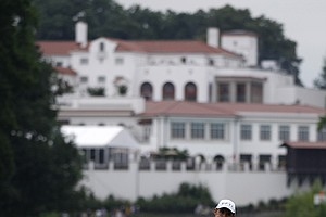 Padraig Harrington, of Ireland, reacts to his missed putt on the 11th green during the first round of the U.S. Open Championship golf tournament in Bethesda, Md., Thursday, June 16, 2011.