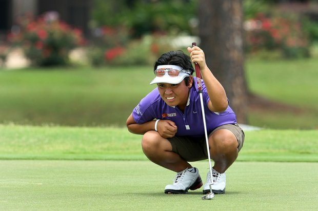 Lovelyn Guioguio reads a putt during the quarterfinals of the Women's Western Amateur. She lost to Victoria Tanco.
