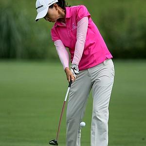 Doris Chen hits a shot at No. 18.