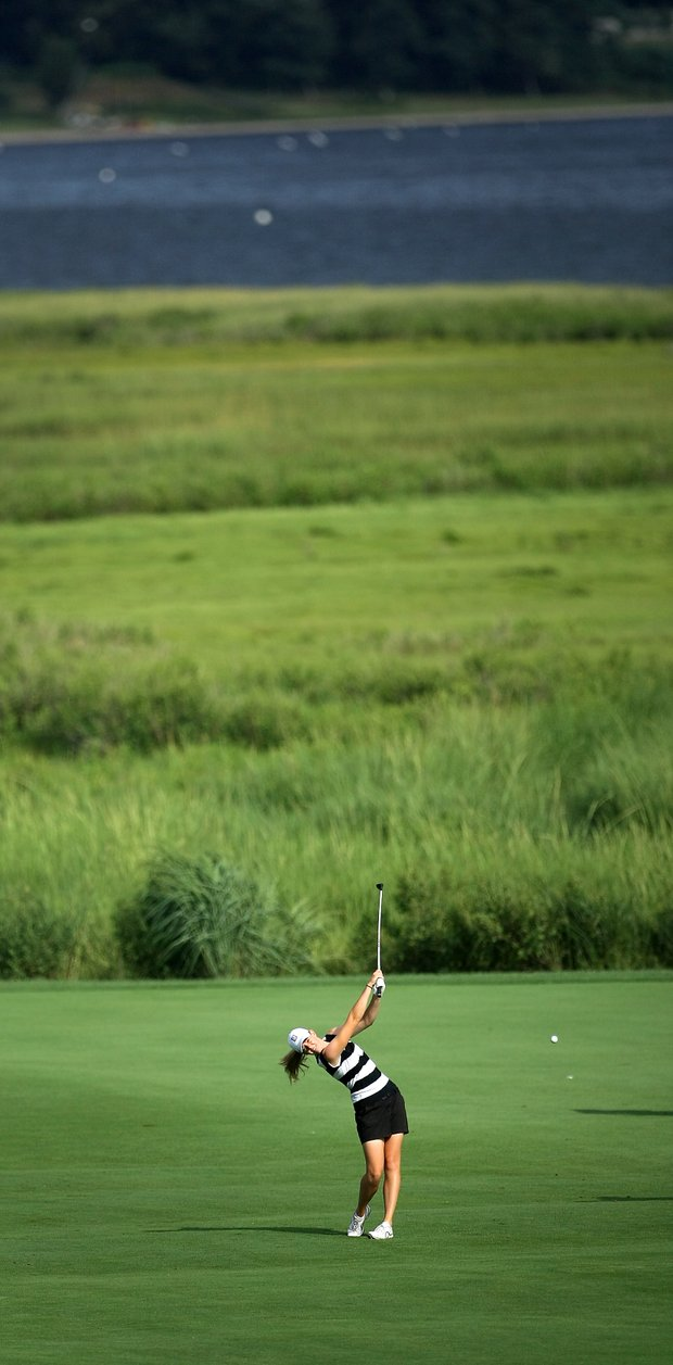 Amy Anderson hits her second shot at No. 18 during the Round of 64.