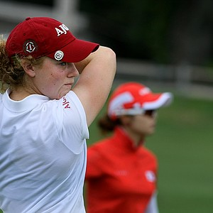 Elyse Smidinger defeated Jihee Kim during the Round of 64 at the U. S. Women's Amateur Championship at Rhode Island Country Club in Barrington, Rhode Island.