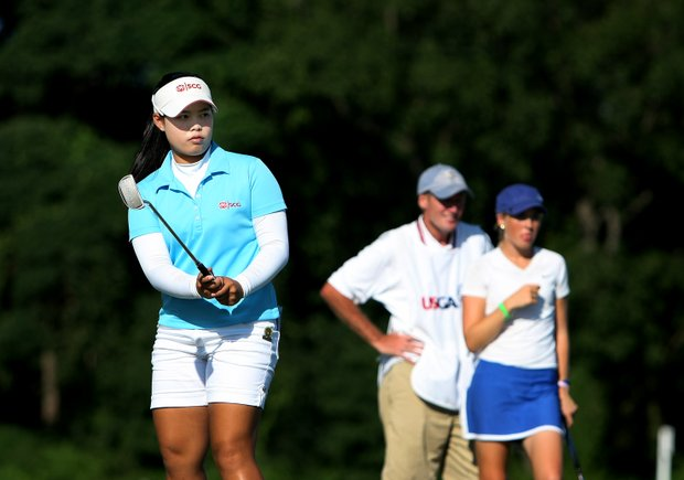 Moriya Jutanugarn watches her putt at No. 17 during the Quarterfinals. Jutanugarn defeated Casey Danielson, 2 & 1.