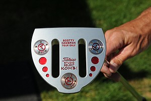 One of the few putters designed for a belly putter.  The total weight of the putter is 400 grams with a length of 43 inches.