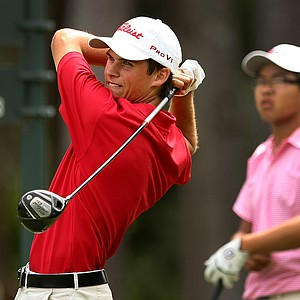 Gavin Hall hits his tee shot at No. 9 at the 2011 Junior Players at TPC Sawgrass in Ponte Vedra Beach, FL.-