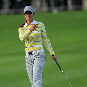 Azahara Munoz misses a birdie putt on the 16th green during the afternoon fourballs on Day 2 of the 2011 Solheim Cup.