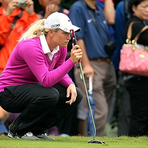 Suzann Pettersen lines up her putt at No. 8  during Friday's round. Pettersen is tied for 9th place heading into the weekend.