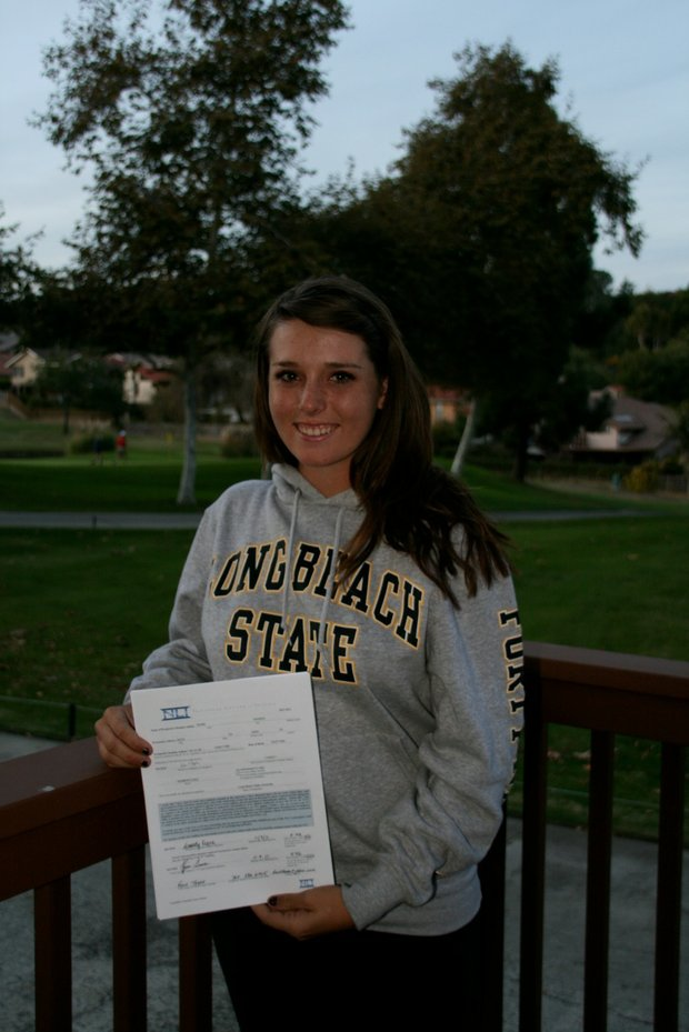 Kassidy Tear signs with Long Beach State.