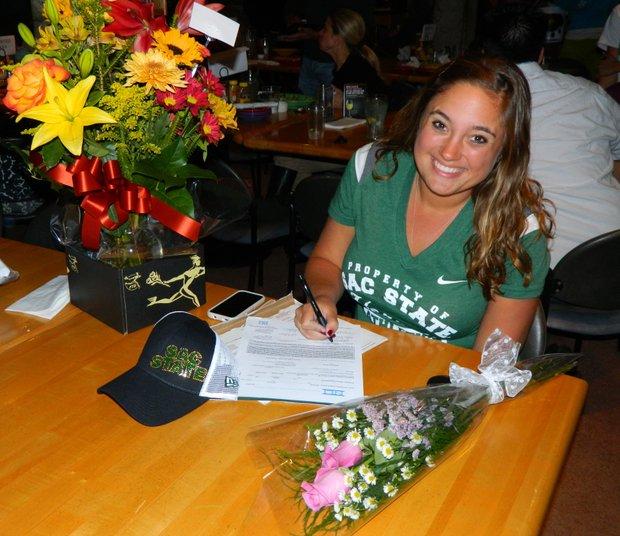 Natalie Bodnar signs with Sacramento State