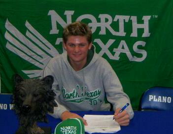 Preston Standley signs with North Texas