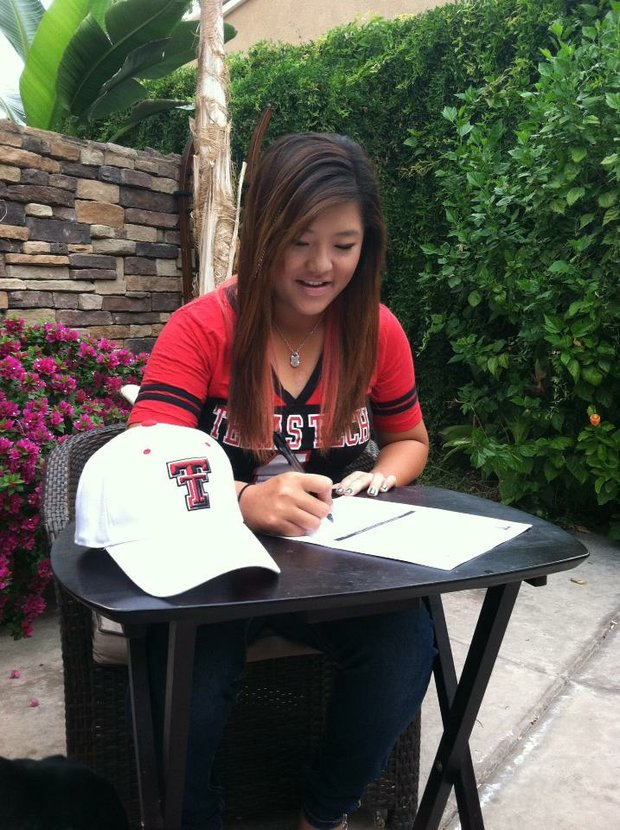 Yang Yue Kimmy Hill signs with Texas Tech