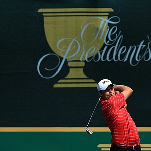 Nick Watney of the U.S. team plays his tee shot on the first hole during the Day Two Four-Ball matches of the 2011 Presidents Cup.