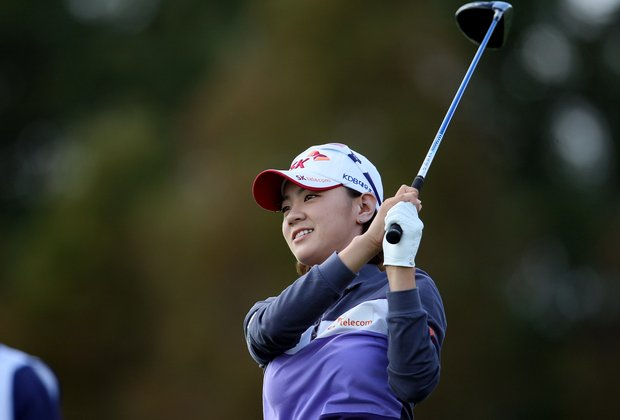 Na Yeon Choi watches her tee shot at No. 7 during the final round of the CME Group Titleholders at Grand Cypress in Orlando, Fla.