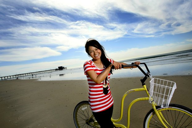 Ai Miyazato photographed for Golfweek in Newport Beach, California with a beach cruiser from Newport Cruisers.