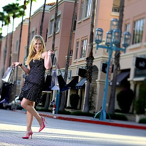 Morgan Pressel shows her fun shopping side at Mizner Park in Boca Raton during a Golfweek for Her shoot in 2011.--(Photo by Tracy Wilcox/GOLFWEEK)