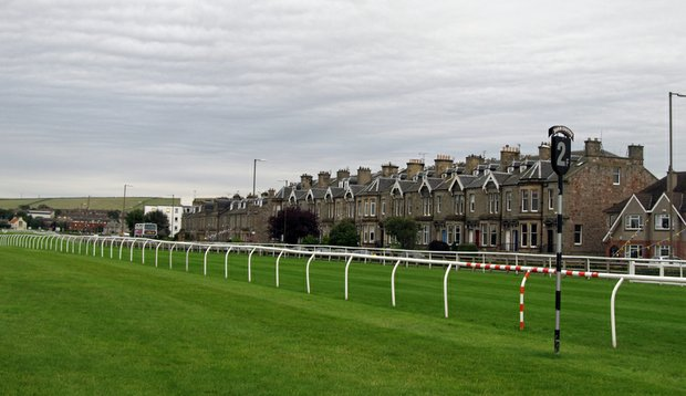 Horse-racing track that circles Musselburgh Links.