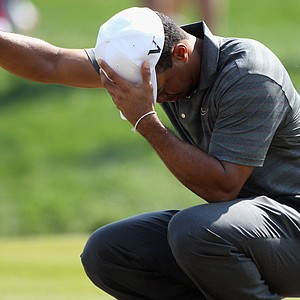 Tiger Woods during the third round of The Abu Dhabi HSBC Golf Championship at Abu Dhabi Golf Club.