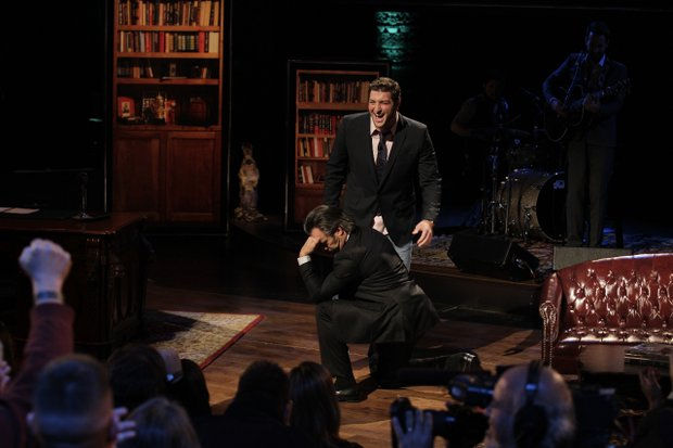 "David Feherty ""Tebows"" with his first guest, NFL star Tim Tebow, on his new Golf Channel show."