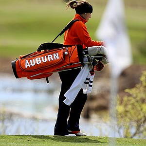 Patricia Sanz of Auburn during the first round of the UCF Challenge.