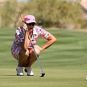 Maria Hjorth lines up her putt at No. 9 during the first round of the RR Donnelley Founders Cup.