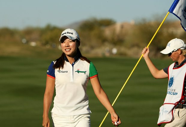 Hee Young Park posted a 65 and is tied with Yani Tseng during the first round of the RR Donnelley Founders Cup.