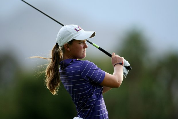 Austin Ernst hits her tee shot at No. 18 on Thursday at the Kraft Nabisco Championship.