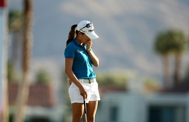 I. K. Kim reacts to missing her second putt at No. 18 during the final round of the Kraft Nabisco Championship.