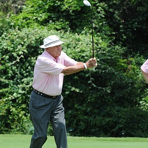Arnold Palmer and his signature swing at the Houston Greats of Golf Challenge.