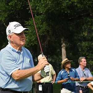 Gene Littler showing off his sweet swing at the Houston Greats of Golf Challenge.