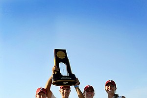 Alabama hoists the trophy after the final round of the 2012 NCAA Division I Women's Golf Championships.