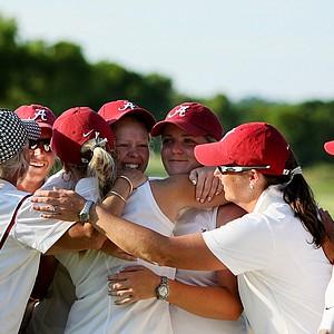 Alabama celebrates winning the 2012 NCAA Division I Women's Golf Championships at Vanderbilt Legends Club.