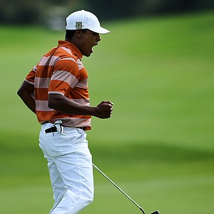 Julio Vegas birdied the final three holes to give Texas a win over Oregon during semifinals of Match Play at the 2012 NCAA Championship.
