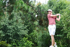 Florida State's Daniel Berger watches tee shot at the par-5 5th hole during the second round of the 2012 U.S. Open sectional qualifier at Black Diamond Ranch in Lecanto, Fla. Berger held the 18-hole lead with a 4-under 68.