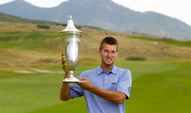 T.J. Vogel with the U.S. Amateur Public Links trophy.