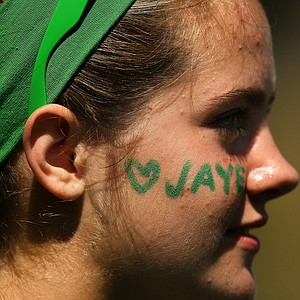 Maggie Dick showed support for Jaye Marie Green during the finals at the 112th U. S. Women's Amateur Championship.
