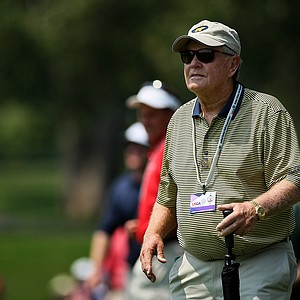 Jack Nicklaus watches his son Gary Nicklaus from the sidelines at No. 9 during the 112th U. S. Amateur Championship at Cherry Hills Country Club in Colorado.