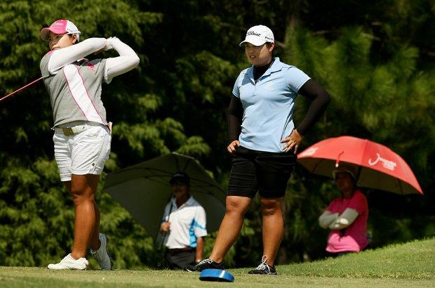 Moriya Jutanugarn, left, and her siter Ariya during the final round of Stage 1 of LPGA Qualifying School.