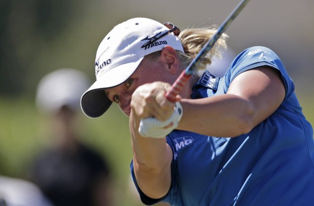 Stacy Lewis watches her drive on the third hole during final round play in the Navistar LPGA Classic golf tournament, Sunday, Sept. 23, 2012, at the Robert Trent Jones Golf Trail in Prattville, Ala. (AP Photo/Dave Martin)