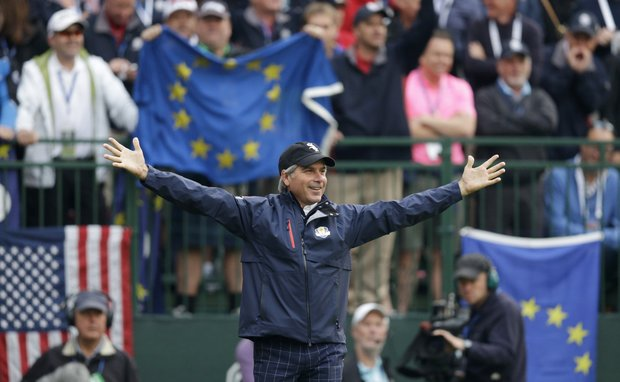 Fred Couples tries to get the crowd fired up on the first tee during the foursomes matches at the Ryder Cup Friday, Sept. 28, 2012, at the Medinah Country Club in Medinah, Ill.