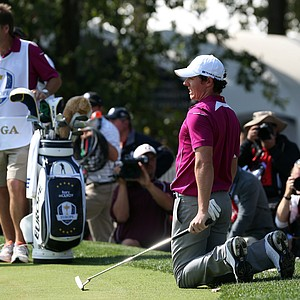 Rory McIlroy of Europe reacts after he misses a birdie putt on the 18th hole.