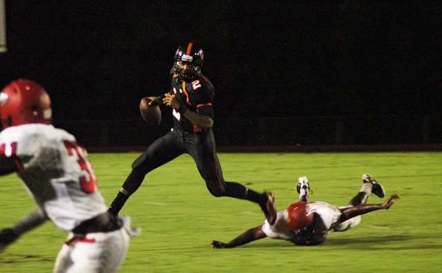 Winter Park quarterback Asiantii Woulard has led a balanced offense but had trouble scoring during the Wildcats' four losses.