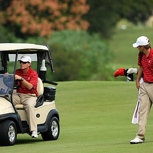 Alabama head coach Jay Seawell with his player Bobby Wyatt during the Isleworth Collegiate Invitational.