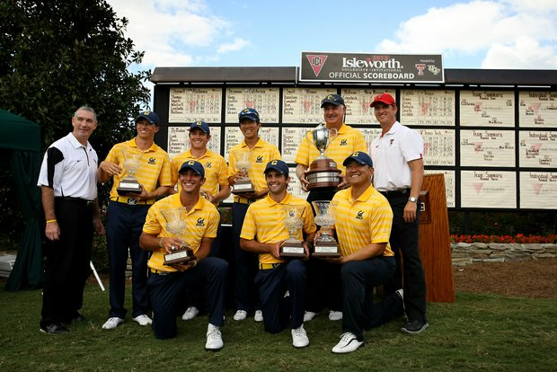 California poses in front of the scoreboard for their fifth win of the fall season at the Isleworth Collegiate Invitational. Michael Kim won individually.