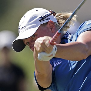 Stacy Lewis watches her drive on the third hole during final round play in the Navistar LPGA Classic golf tournament, Sunday, Sept. 23, 2012, at the Robert Trent Jones Golf Trail in Prattville, Ala.
