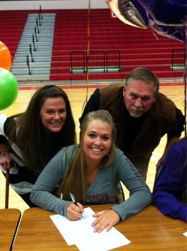 Haley Dambold signs with Midwestern State