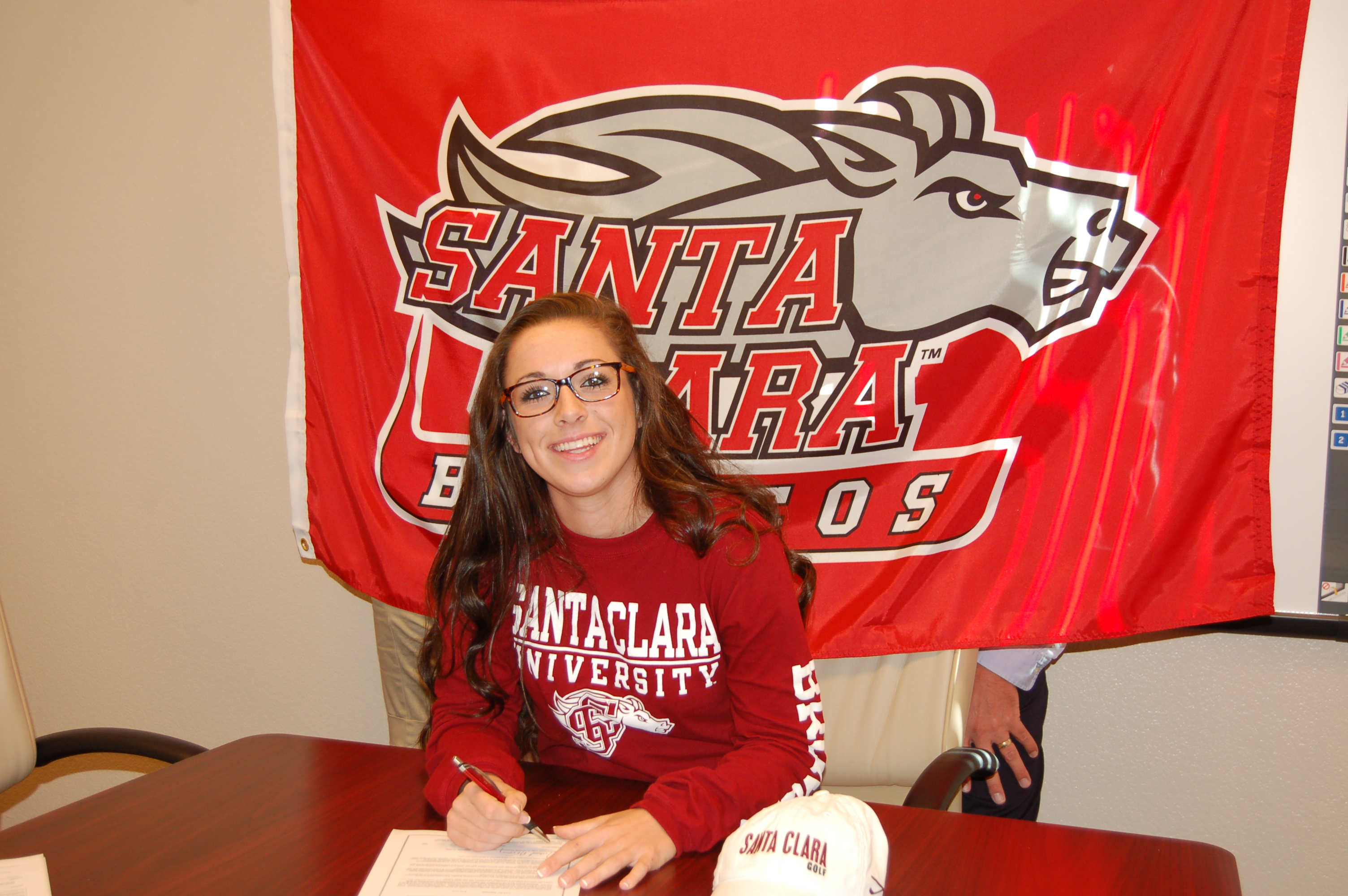 Anne Freman signs with Santa Clara