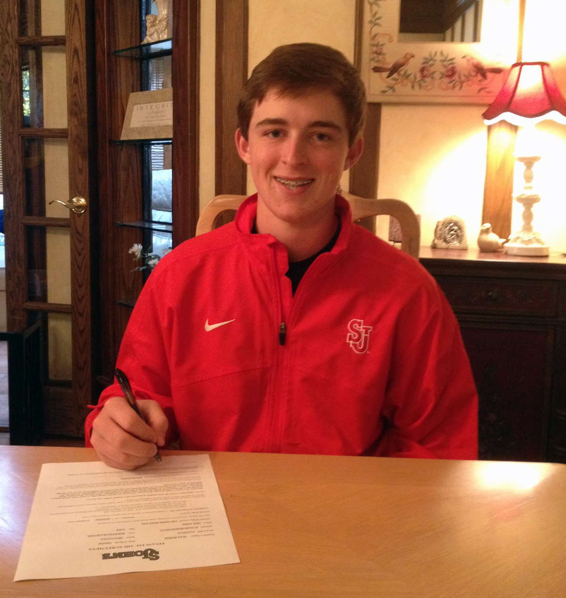 Sean Byrne signs with St. John's