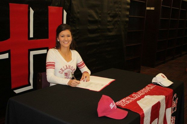 Maggie Neece signs with Oklahoma