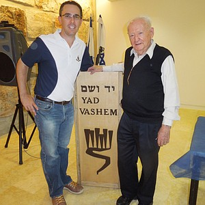 Golfweek's Adam Schupak and Holocaust survivor Asher (Aud) Sieradzki.