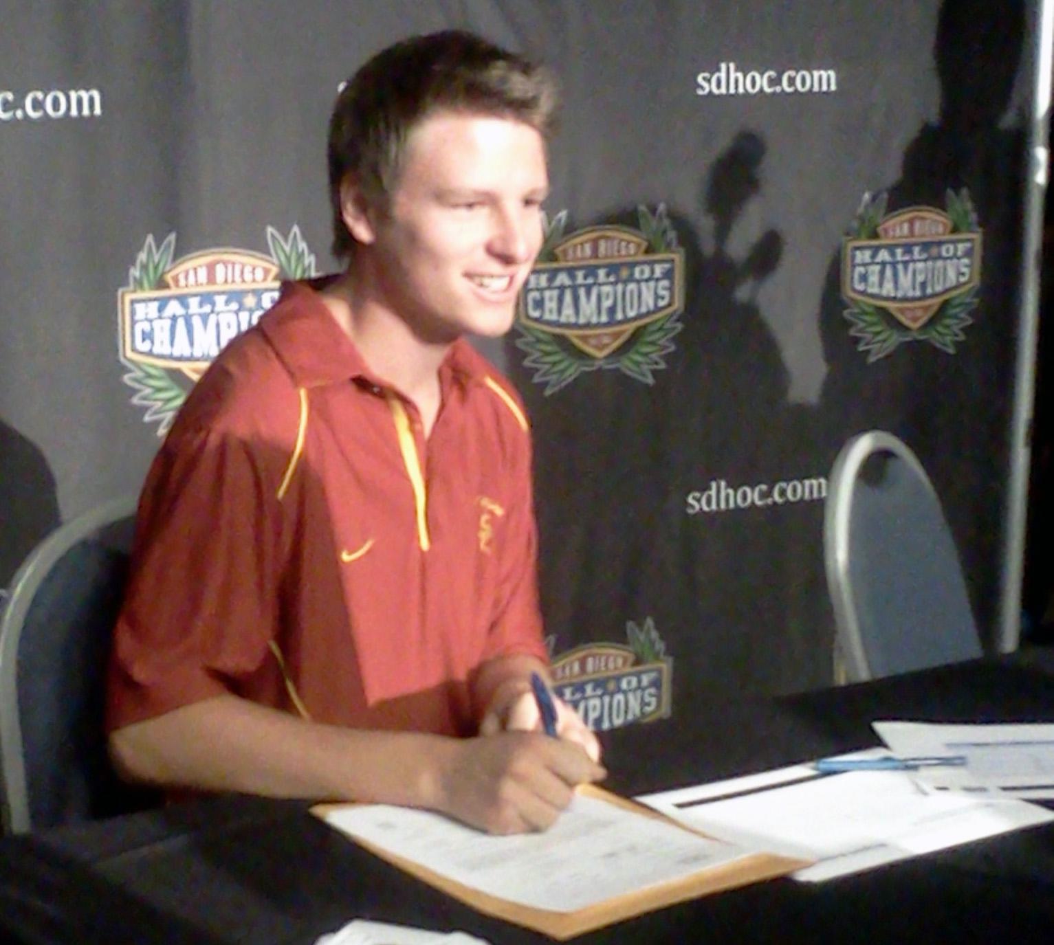 Danny Ochoa signs with USC