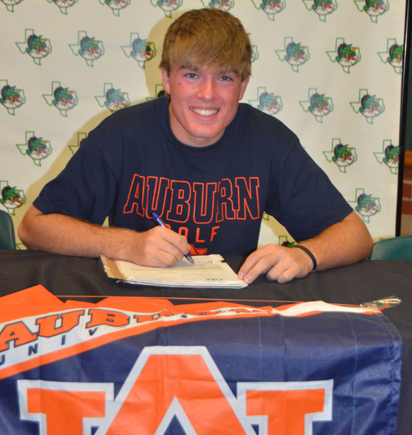 Matt Gilchrest signs with Auburn